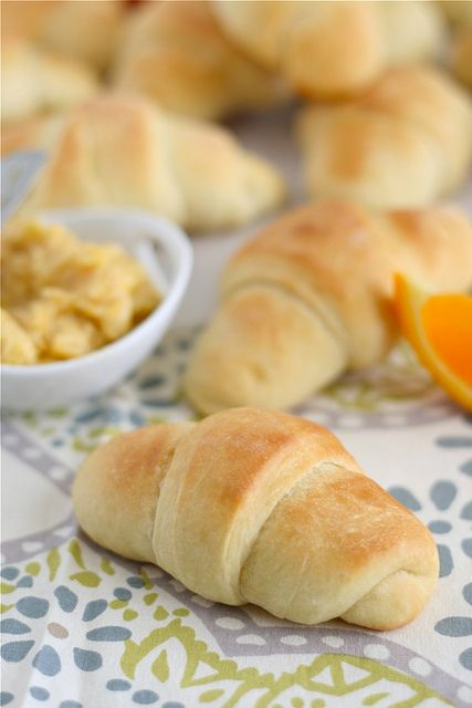 No-Knead Crescent Rolls {with Cinnamon Orange Butter}