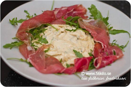 Pasta med gorgonzola/Ricottasås och parma med ruccola #lchf