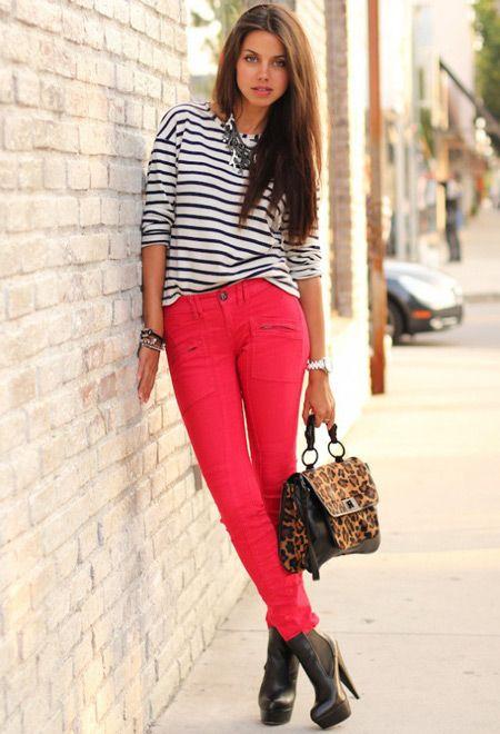 Девушка с леопардовой сумочкой