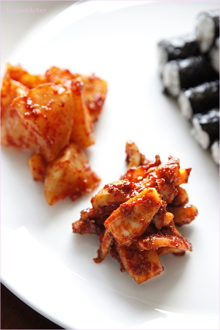 Choongmu kimbab (kimbab, Choongmu style)
