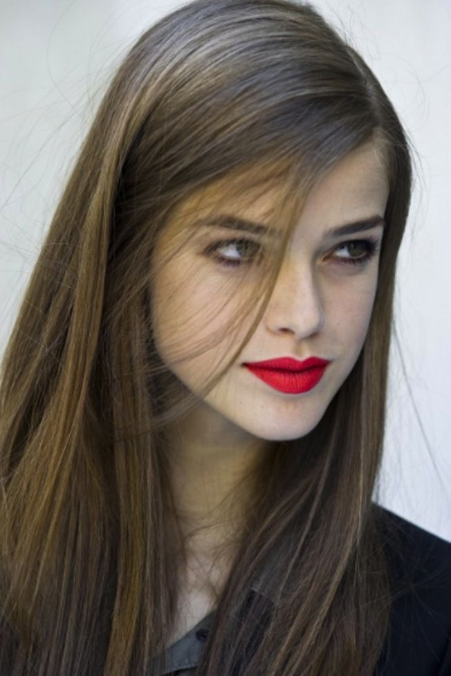 -: Red Lipsticks, Long Hair Style, Hair Colors, Straight Hair, Makeup, Brown Hair, Lips Colors, Bright Lips, Bold Lips
