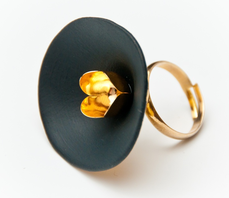 Raluca Buzura - Glazed porcelain ring  Romanian Jewelry Designer