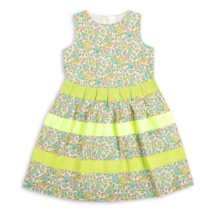 Vestido EPK para niña, de tela de flores en tonos verdes.