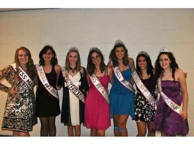 """""""My friends and me dressed up as the seven """"Miss"""" Pageant Queens: Miss Matched, Miss Chevious, Miss Terious, Miss Fit, Miss Balanced, Miss Spelled, And Miss Calculated."""" —Christie, 20, NY Read more: Best Halloween Costumes - Halloween Costume Ideas for Teens - Seventeen Follow us: @david on Twitter 