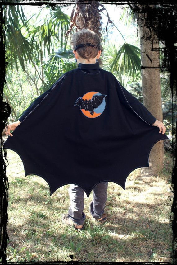 Super Bat Cape PDF Pattern by oxeyedaisey on Etsy :: http://www.etsy.com/shop/oxeyedaisey
