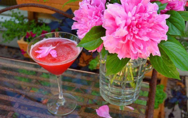 Pink Martini Recipe - How To Make With Pomegranate and Peony Jelly