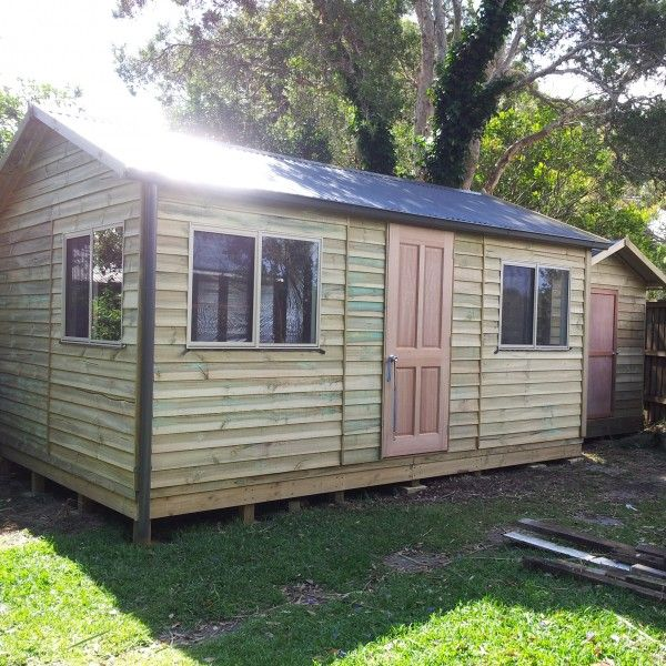 Best 25 small wood shed ideas on pinterest small shed for Small lawnmower shed