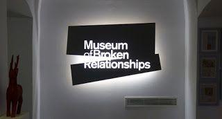 Urinario Clandestino: El Museo de las Relaciones Rotas