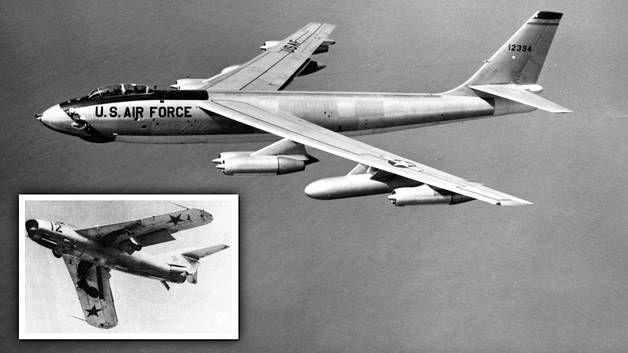 Harold Austin lensi vakoilulennolla B-47 Stratojet -pommikoneesta (kuvassa) muokatulla RB-47E Stratojet -vakoilukoneella. Neuvostoliitto lähetti koneen perään Mig-17-hävittäjiä (pikkukuva).