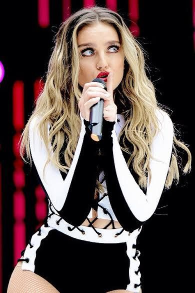 Perrie performing at the Summertime Ball, 2016 ♥