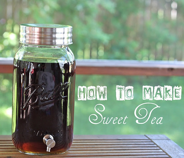 Sweet Tea, just like from the South!   When I was visiting for a week I think I gained 10 lbs, I couldn't get enough!: Sweet Tea Recipes, Food, Baking Sodas, Beverages, Smash Peas, Mason Jars, Drinks, Ice Teas, Sweet Teas Recipes