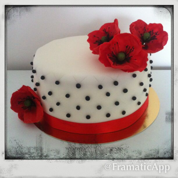 Poppies fondant cake sugar flowers