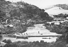 Waiti Village at Te Henga on the banks of the Waitakere River, 1910. Te Henga means 'the food for a work party'. John Bethell's building on right. The tangata whenua (people of the land), Te Kawerau a Maki have a long occupation of this area. The village would have become uninhabitable soon after 1910 when the Waitakere Dam was completed upstream, subsequently changing the River. http://heritageetal.blogspot.co.nz/2013/10/te-henga.html