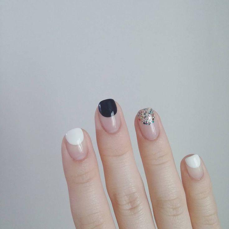 negative space nails @dcbarroso
