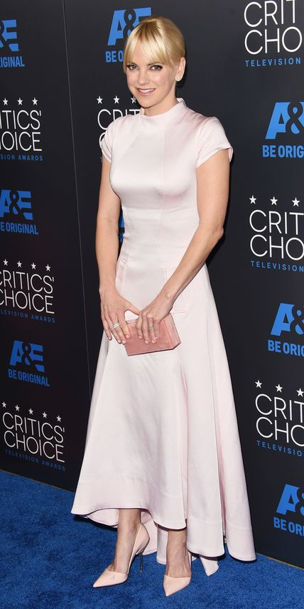 See All the Best Looks from the 2015 Critics' Choice TV Awards - Anna Faris from #InStyle