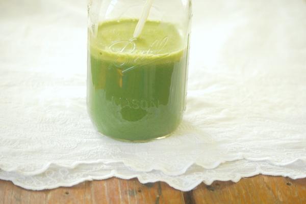 apple ginger kale juice