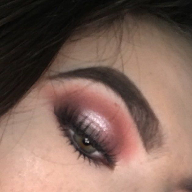 I forgot to take a proper picture of this look so I ended up cropping down a photo I took that day so I apologize for the rubbish quality ❤#muafollowtrain #mua #eyebrows #makeup #eyeliner #eyebrows #eyeshadow #nakedpalette #nakedheat http://ameritrustshield.com/ipost/1547139228830389586/?code=BV4iu54gdVS