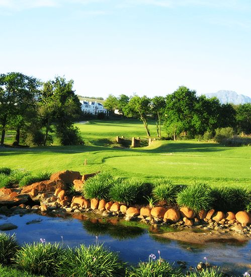 Spectacular views of the Stellenbosch mountains and surrounding vineyards when staying at the Kleine Zalze Lodge.