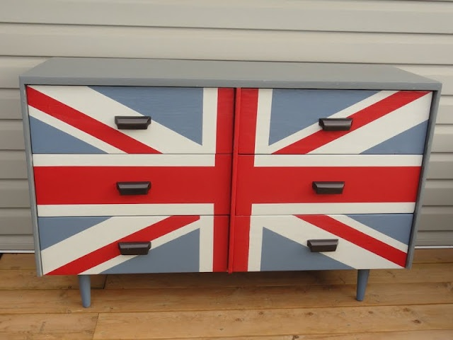 I love how perfectly crisp this Union Jack is.  Great tips on how to get it so perfect!