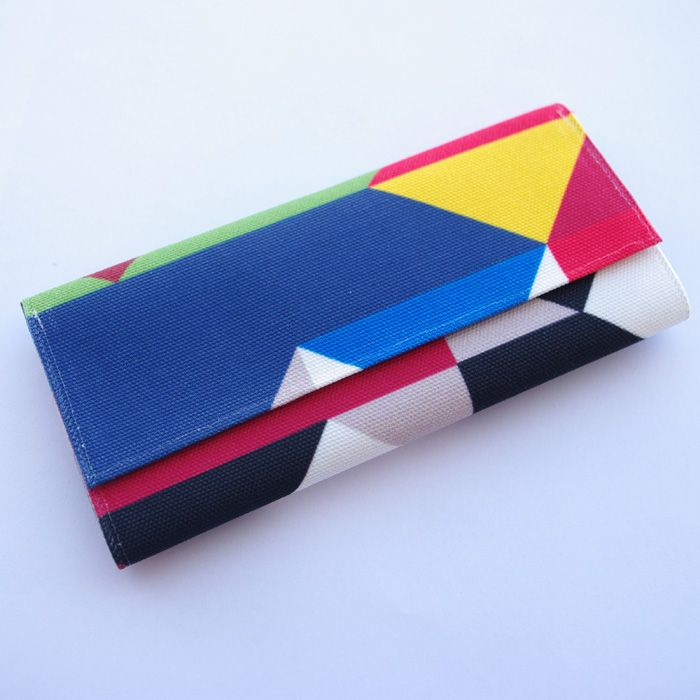 """Tobacco pouch """"Ego"""" Size: 21.5 x 16 cm open / 16 x 8 cm closed Features: Special case for the tobacco packaging. Special case for the rolling papers. Adhesive closure compartment."""
