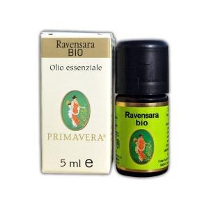 L'olio essenziale di #ravensara è un ottimo rimedio nel trattamento delle infiammazioni delle vie respiratorie - #raffreddore