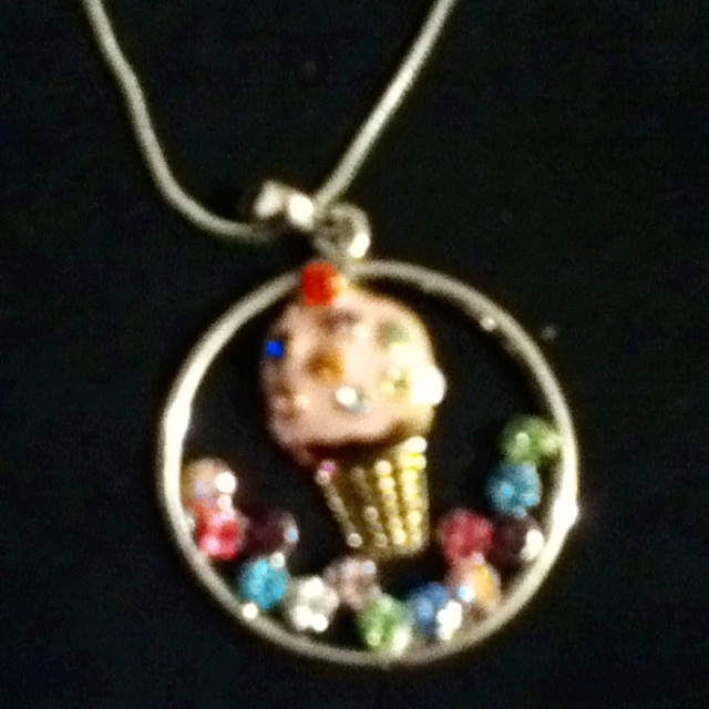 Didnt quite make this i put 2 different pieces 2gether & made it 1 of a kind