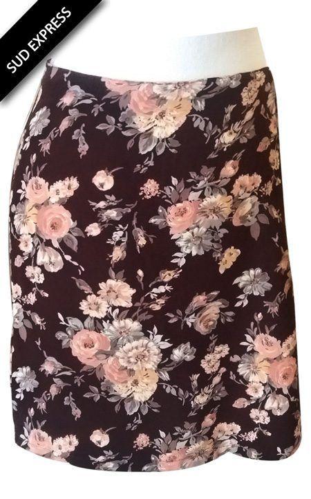 Jupe à fleurs marron Sud Express 100% coton  Taille étiquette : S  Mensurations : Tour de taille (élastique) : 78 cm Longueur totale : 42 cm