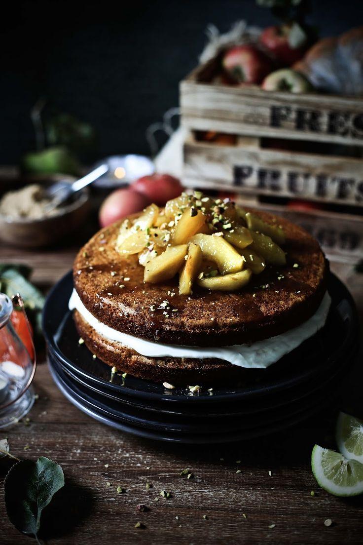 Pumpkin cake with caramelized apples and ricotta cream - Pratos e Travessas | Food, photography and stories - Mónica Pinto