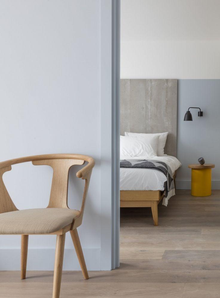 Hotelowe wnętrza pomimo wysublimowanego designu i przemyślanych projektów często są bezosobowe. Wielu z nas często podróżuje służbowo i marzy o tym, by w hotelu poczuć się jak w domu. Tego trudnego wyzwania podjęli się  architekci z nowojorskiej pracowni Grzywinski + Pons. Wnętrza londyńskie
