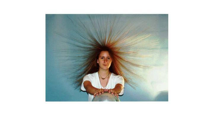 Eletricidade estática e os cabelos Quando fiz o post sobre os produtos #Fail para cabelo, comentei que volta e meia sofria com a eletricidade estática nos cabelos, o que deixou algumas leitoras curiosas. Decidi então buscar m... https://goo.gl/Vj4lHI