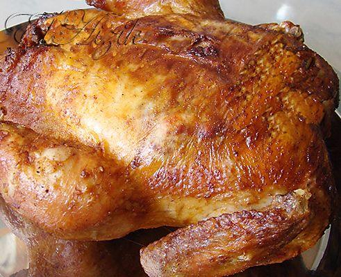 Правильно зажаренную курицу любят все, даже те, кто курицу не любит! Потому что правильно зажареная курица - румяная, с хрустящей кожицей, упругим и сочны