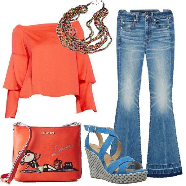 I pantaloni jeans blu lavaggio medio chiaro hanno la vita regolare e la gamba che sia apre molto al fondo con orlo rifinito da doppia striscia di jeans una più chiara e laltra più scura. Labbiniamo alla blusa arancione con le maniche lunghe a doppia balza e lo scollo elastico che scende lungo le spalle lasciandole nude. Ai piedi sandali con zeppa e plateau decorati in suede azzurro cielo e come borsa una tracollina arancione con ricamo di ragazza al mare. Per finire collana di perline…