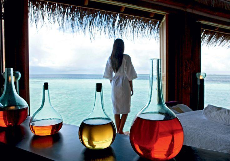 spa at Constance Moofushi --->>> www.voyagewave.com
