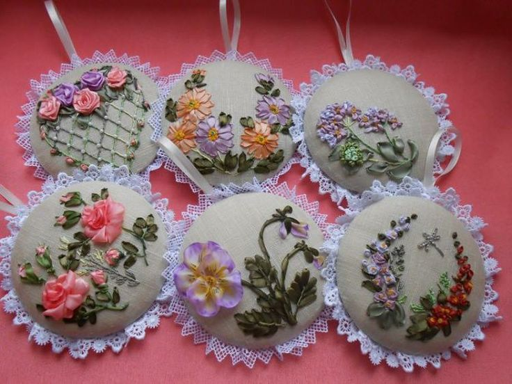 Lovely set! Idea for pincushions!