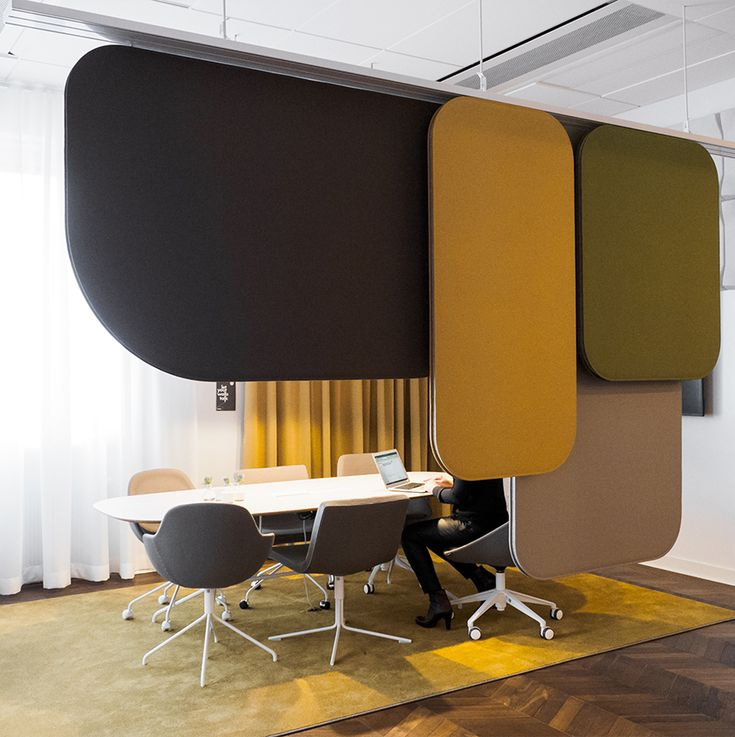 Gothenburg showroom - Notes room divider, Ezy chair, Bond chair, Swell acoustic panel