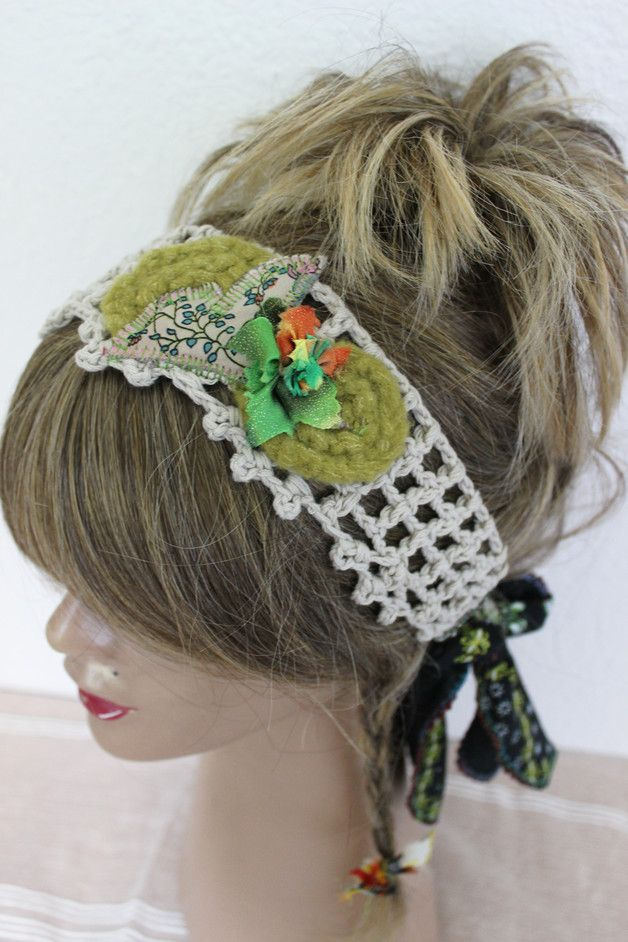 This is a nice headband was built with high quality mercerized yarn. Flowers and spiral decorations were made by hand.  Flexible band can fit with each head-end.  Very useful and beautiful gift...
