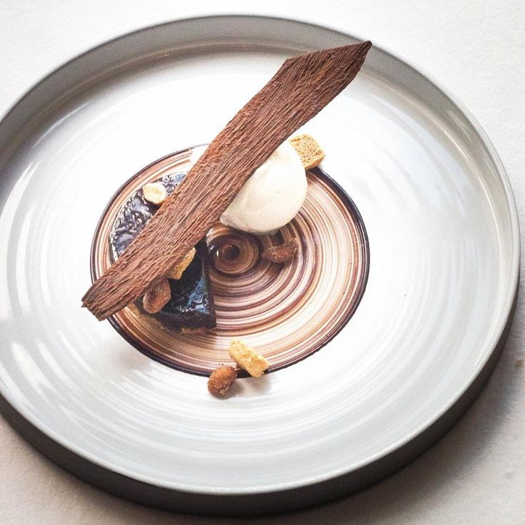 CHOCOLAT CACAHUÈTE #curesmarines #restaurant1912 #miam #pastrychef #foudepatisserie