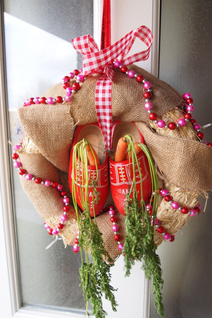 sinterklaas wreath with burlap