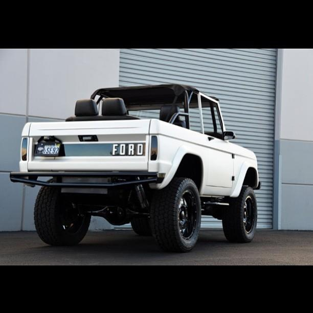 White Ford Classic Bronco Fordbronco Ford Classiccars Cars