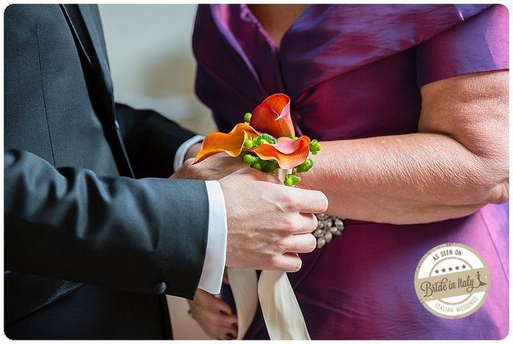Orange calla lily corsage for bridesmaids and bride's mom <3 Ph Fia Forever http://www.brideinitaly.com/2013/10/fiaforever-tuscany.html #italianstyle