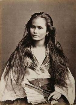 "Portrait of a ""mestiza de sangley"" (Chinese-Filipino) woman. Photograph by Francisco Van Camp, ca. 1875."