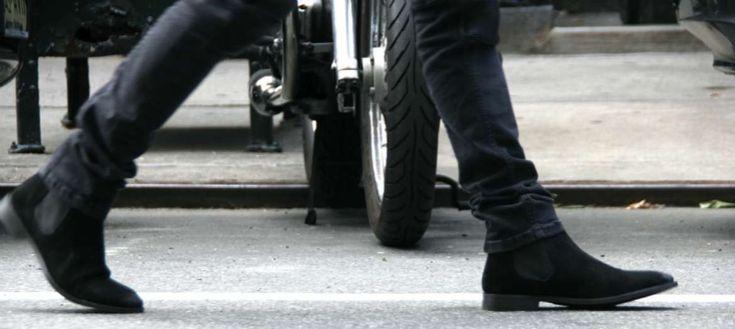 mens chelsea boots suede black