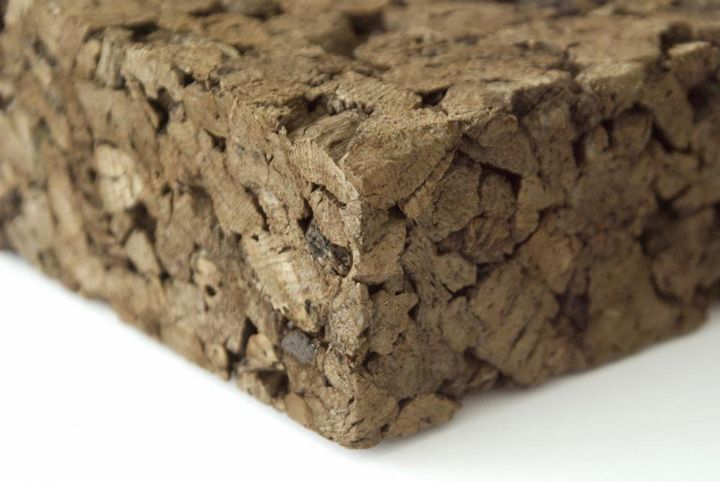 Expanded Cork Isolation by van Avermaet materials. The corkboard material is a natural product (vegetal) originating from cork. The cells of the expanded cork, contain 50% of air, are waterproof and are expandable. The Corkboard is not only a thermal but also a phonic and vibratic insulator.