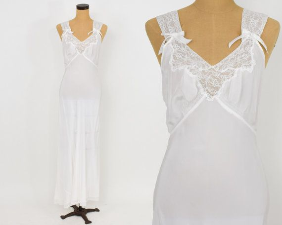 40s White Rayon Nightgown | Delicate lace and Bows | Luxite | Medium