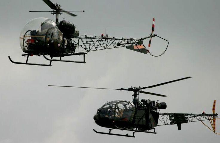Alouette I ( AH1-Sioux) et une alouette II-2005