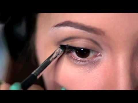 Evde Angelina Jolie Makyajı Yapabilirsiniz