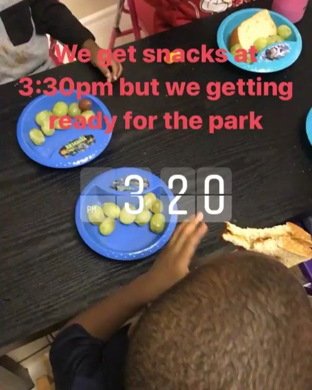 Snack time is at 3:30pm we had peanut and jelly sandwiches with grapes.. #leahsplaylandkids #leahsplayland #southwest #ibabySit #babysitter #affordablechildcare #HoustonTx #nanny #SouthwestSitter #southwest #alief #inhomechildcare #dayCare #NightCare 24 hour childcare is available