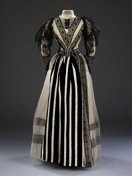 Mayer & Morhanger (Dressmakers), Afternoon Dress with Applied Ribbon Lace, 1889-1892. (Back View)1889 1892, 1880S Fashion, Black And White, Paris France, Historical Fashion, 19Th Century, Afternoon Dresses, Costumes History, Wealthy American