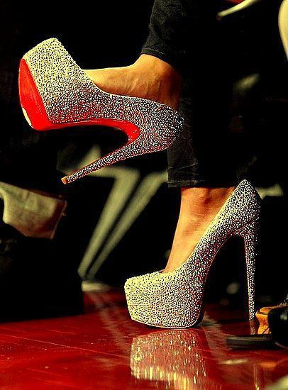 In another life I could wear these, but oh....they are dreamy....sparkly high heels :)