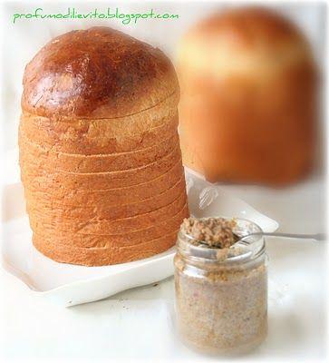 the gourmet cake (cake or savory fillings and creamy mousse)    il panettone gastronomico ( ovvero panettone salato per ripieni cremosi e mousse)